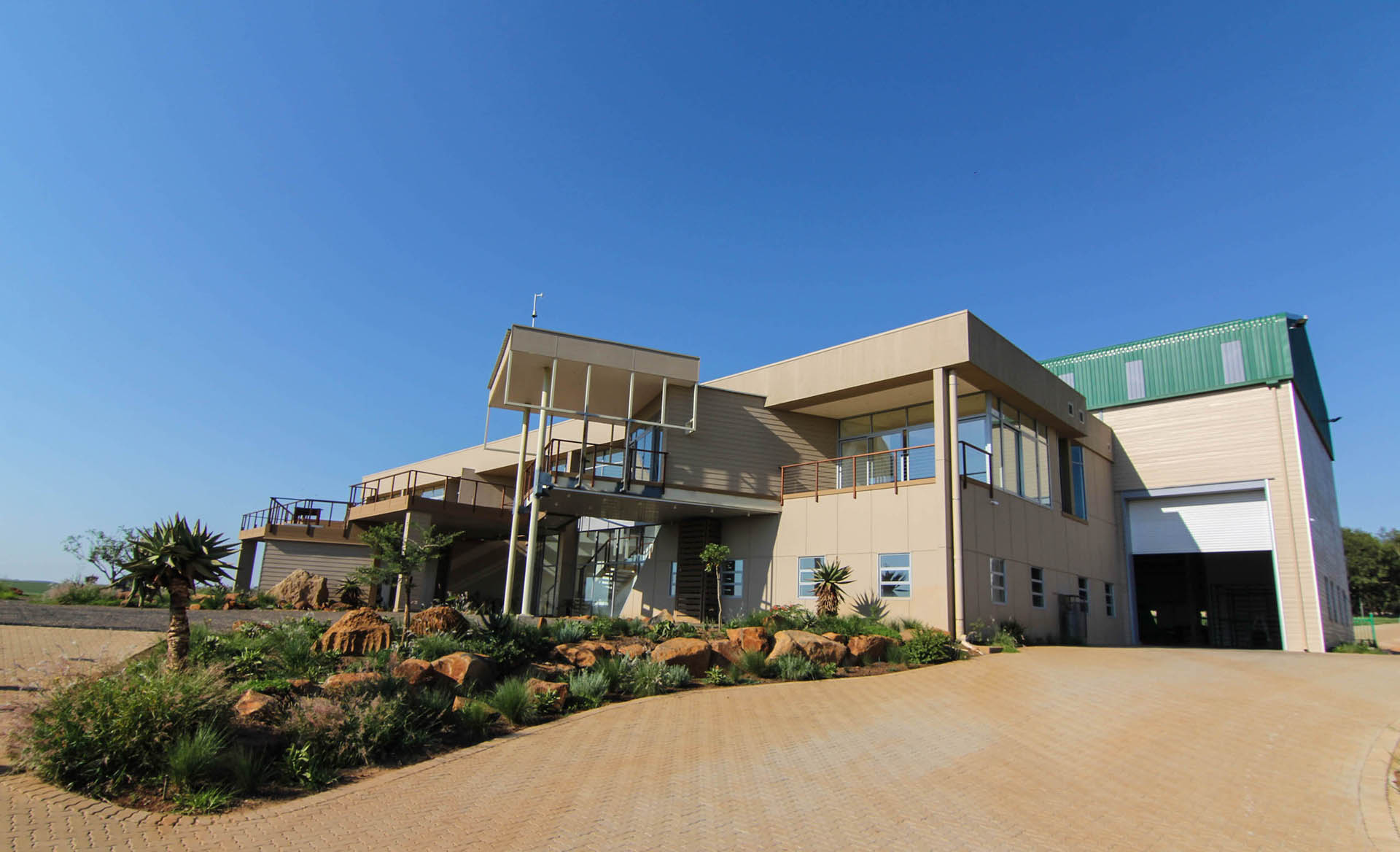 local is lekker shospec dabmar manufacturing-plant-LSF-project-quality-shopfitting-light-steel-frame-building-pmb-kzn