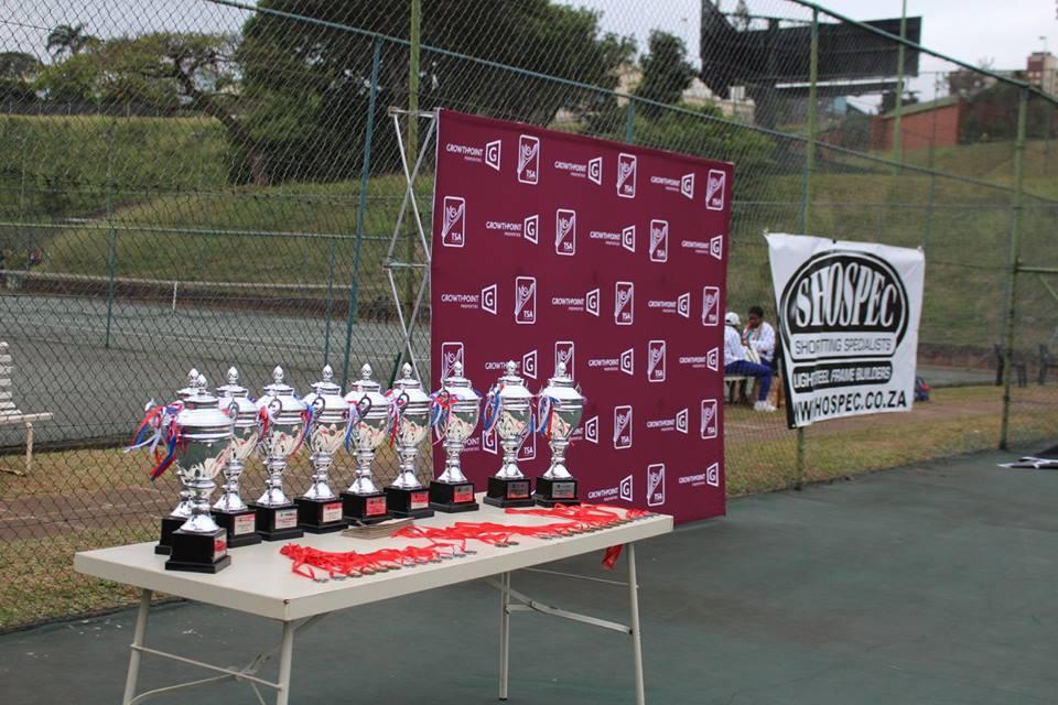 court-side action TSA-Tennis-Tournament-shospec-ceilings-LSF-project-quality-shopfitting-light-steel-frame-building-pmb